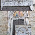 Architrave del portale di San Pietro